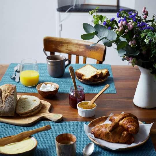 Berard - Racine - Schneidbrett Olivenholz - Frühstück
