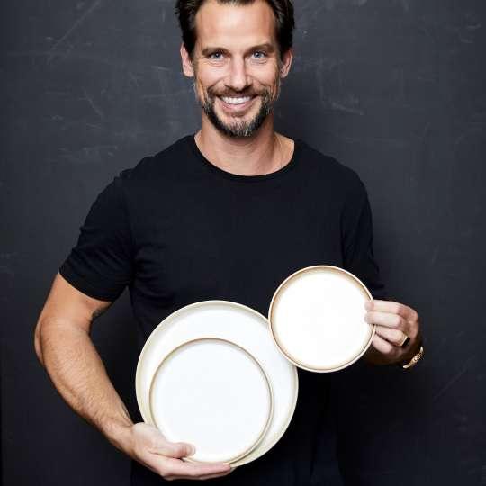 Christian Bitz mit den Gastro-Tellern creme
