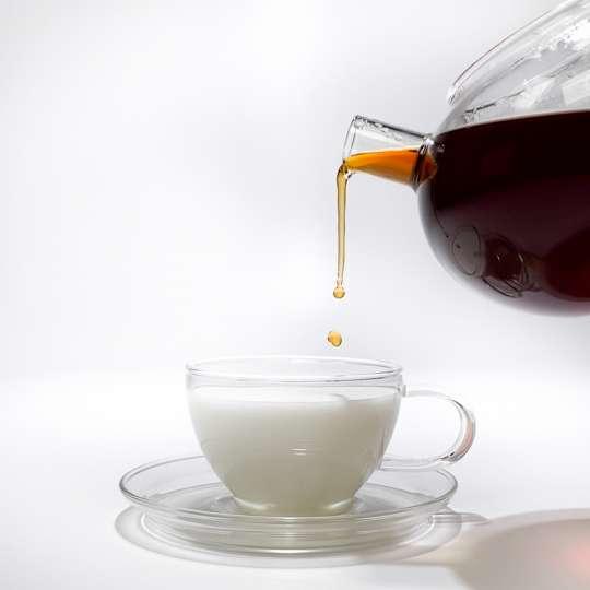 Nibelungentee - Tasse Milch mit Tee