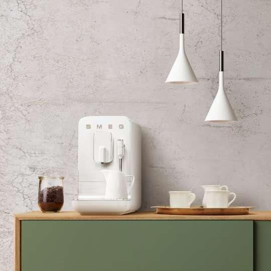 SMEG - Kaffeevollautomat BCC02WHMEU weiß - Küche