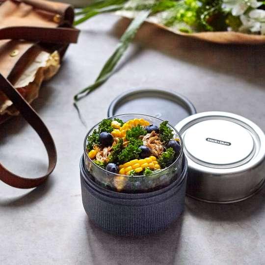 black+blum - Lunchbecher aus Glas - Schiefer - Maissalat