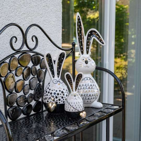 Formano - Lustiger Hase goldenem Herzen und Brille- Art.-Nr. 700124 – 700148 - Moderne Osterfigur Hase -  mit schwarz-goldenem Dekor verziert Art.-Nr. 701220 .jpg