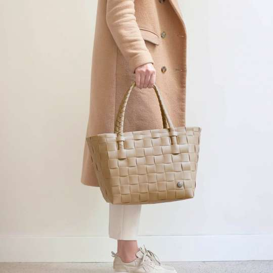 Handed by - PARIS Shopper - khaki - Model