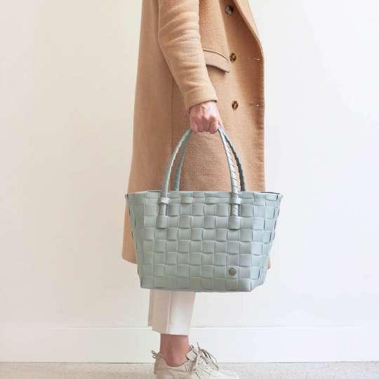 Handed by - PARIS Shopper - sage green - Model