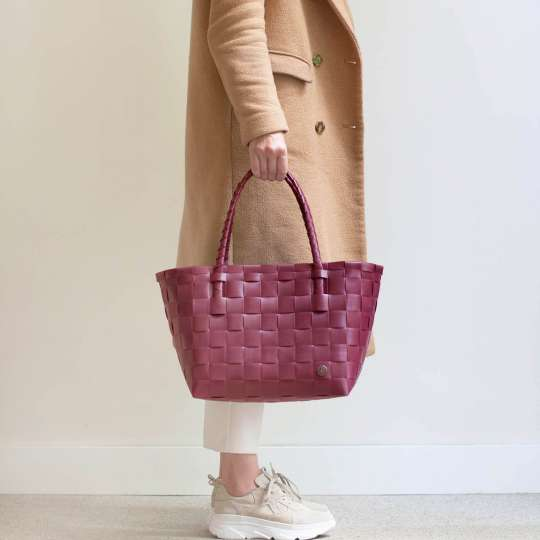 Handed by - PARIS Shopper - wine berry red - Model