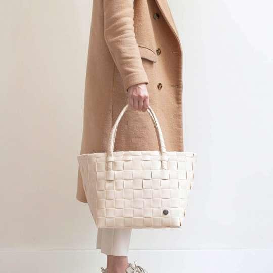 Handed by - PARIS Shopper - sahara sand - Model