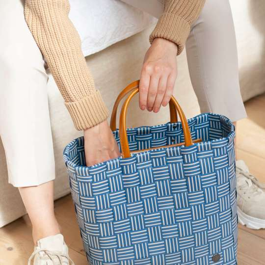 Handed By - Handbag JOY royal blue - griffbereit