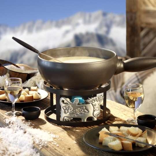 »Flurina« sorgt für super Stimmung am Tisch: Käsefondue in uriger Atmosphäre
