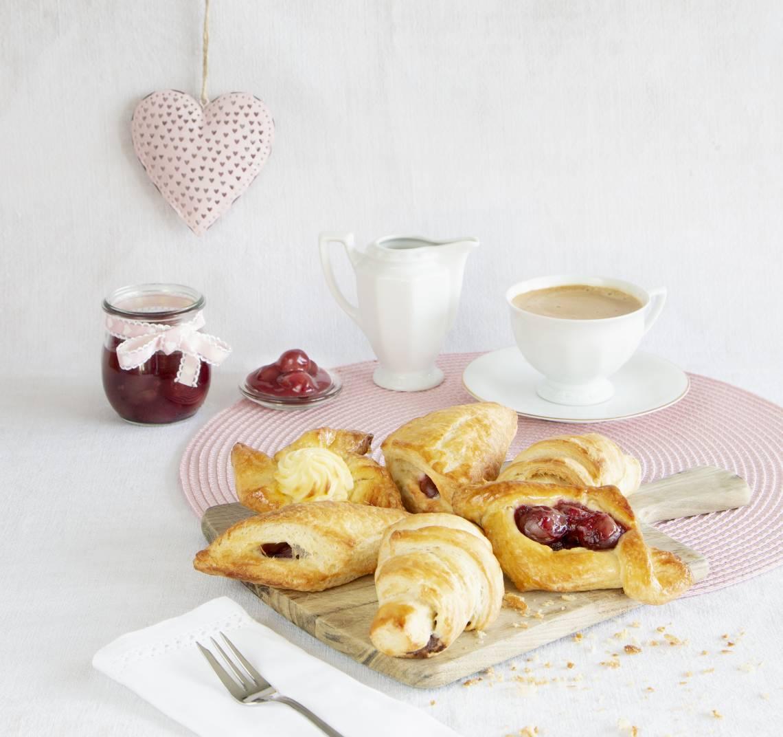 STÄDTER - we love baking - Herdbackblech - Ergebis frische Hörnchen