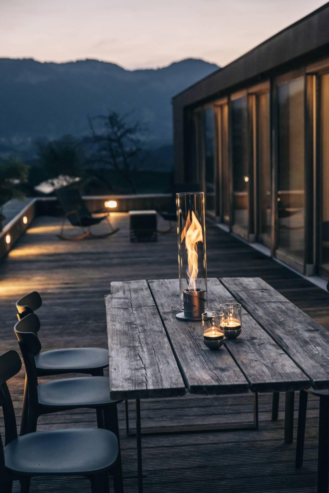 Feuer und Flamme  - Spin von höfats - Mood Terrasse, Holztisch