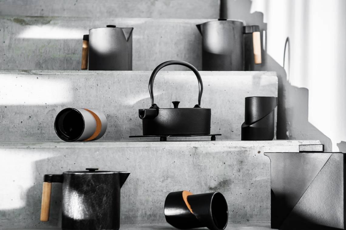 JA-UNENDLICH: Teekannen aus Gusseisen, Bauhaus, Mood