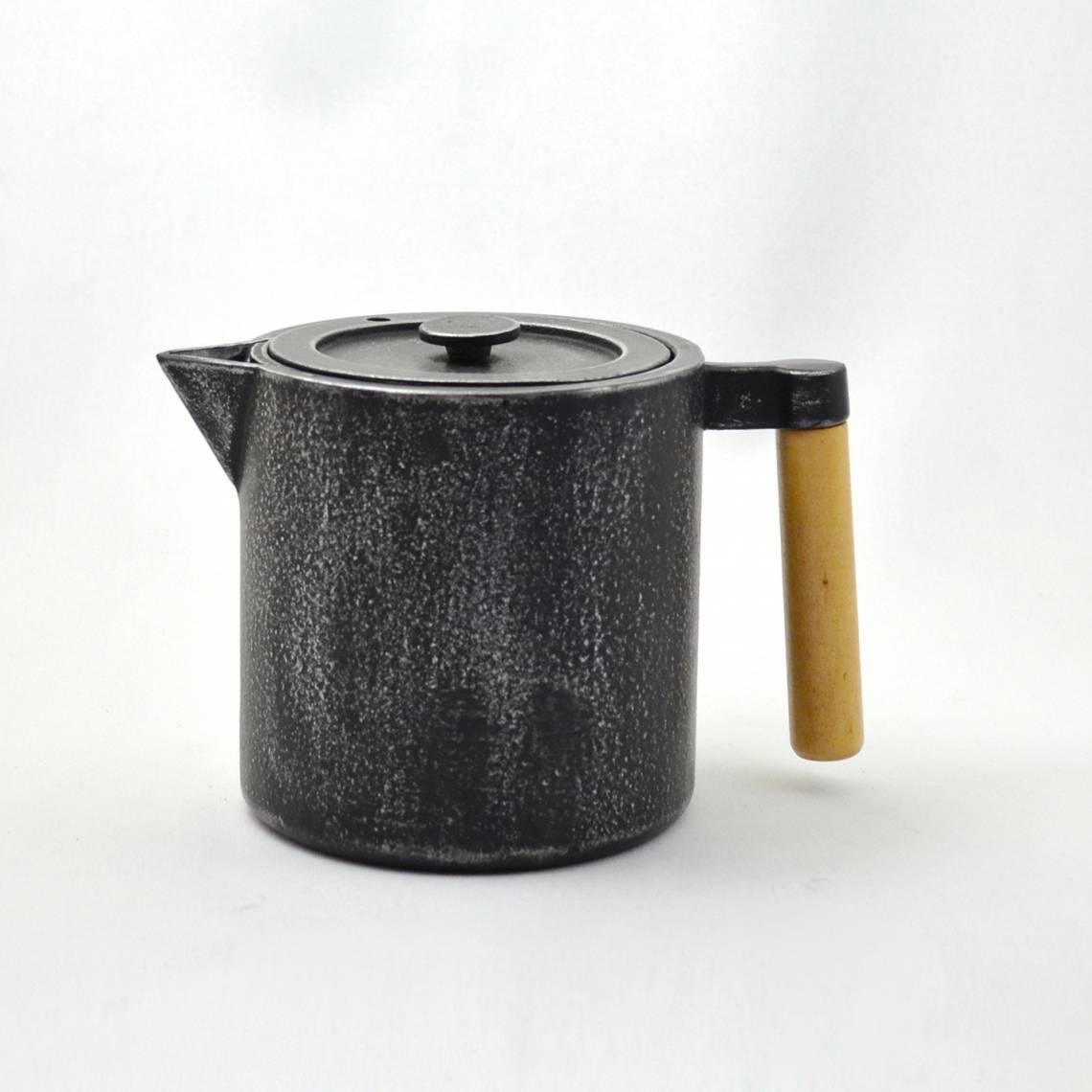 JA-UNENDLICH: Teekannen aus Gusseisen, Bauhaus, Modell Chiisana, 0,9 l, 2299