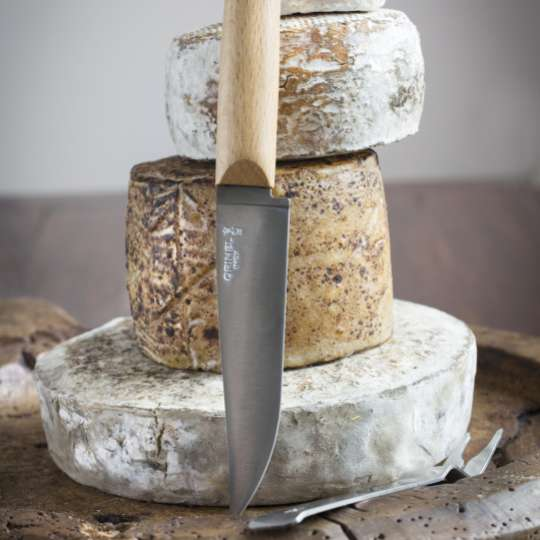 Opinel Käsemesser mit Buchenholzgriff und Klinge aus rostfreiem Stahl