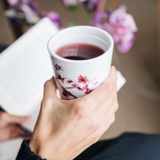Eigenart Dekor Cherry Blossom / Frau mit Buch 2 / hoch