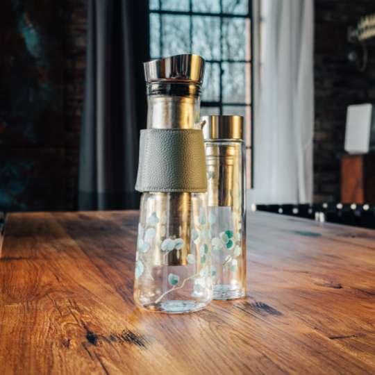 Eine für alles: die Glaskaraffe EVE / Dekor Eucalyptus Mood 2