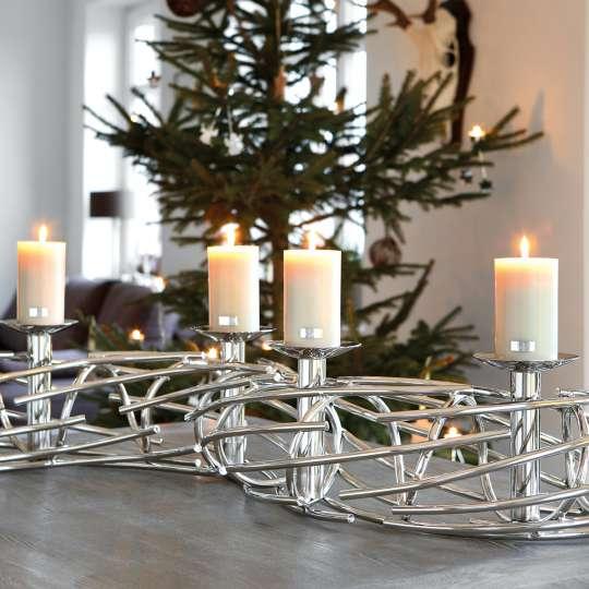 klassisch verspielt oder extravagant adventskr nze. Black Bedroom Furniture Sets. Home Design Ideas