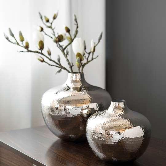 Fink Living PALLAS / Vase, vernickelt, gehämmert Milieu