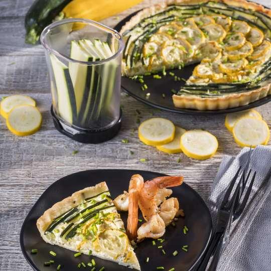 Rezept GEFU - Zucchini-Zitronentarte mit gebratenen Riesengarnelen - hoch