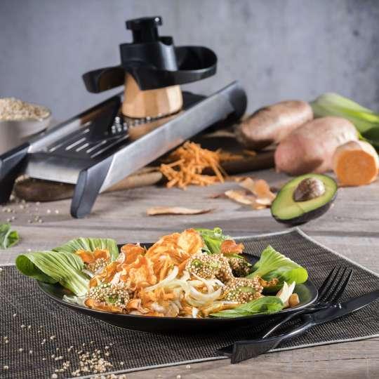 Rezept GEFU - Süßkartoffelsalat mit Pak Choi mit knusprigen Avocado Chips