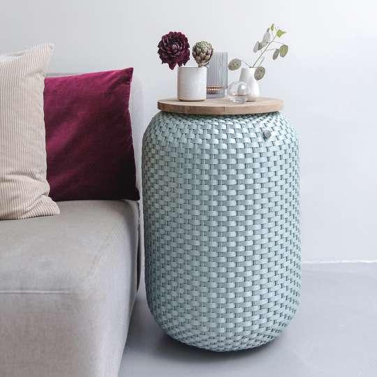Beistelltisch Halo High - handgeflochten aus recyceltem Kunststoff, Farbe eucalyptus, Mood 1