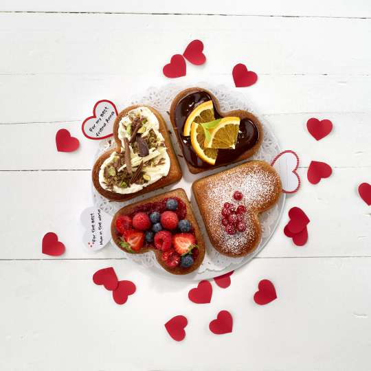 Heart Cake Portion_Lifestyle_3