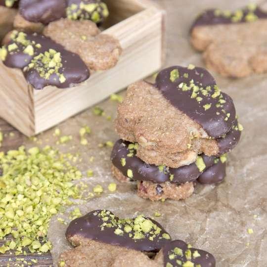 Gesunde Kekse in Kleeblattform