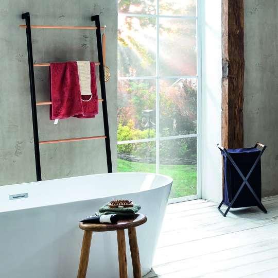 Kela - Badserie Oak - Handtuchleiter und Wäschesack