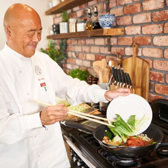 KEN HOM – Master of Asian Cuisine Lifestyle