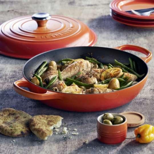 Le Creuset Gourmet-Profitopf innen schwarz Ofenrot Haehnchen