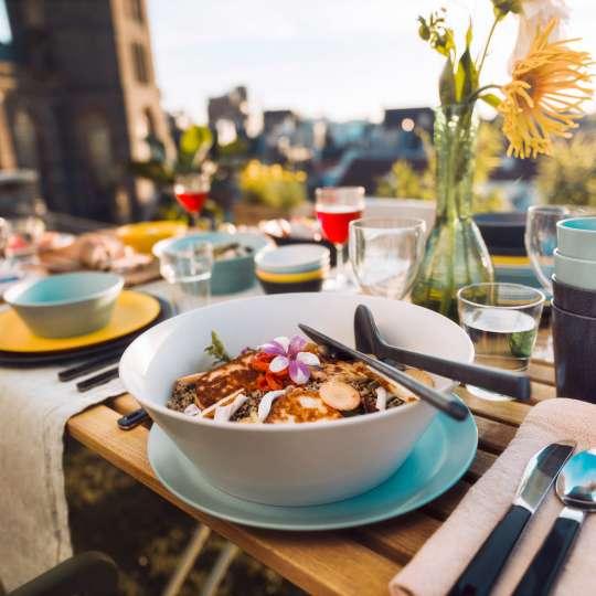 Mepal - Melamin Geschirrserie Bloom - gedeckter Tisch Ambiente