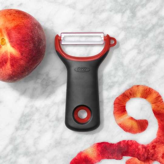 OXO Good Grips Schäler mit Sägemesserklinge 11259000-9a Milieu