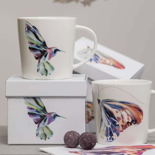 Turnowsky PPD Trend Mugs Corfu Hummingbird-Corfu Butterfly_Szene