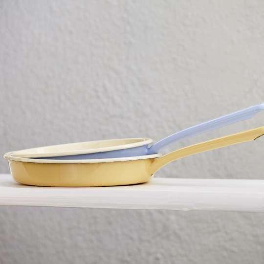 RIESS Classic Pastell Backrohrpfannen rund Ambiente