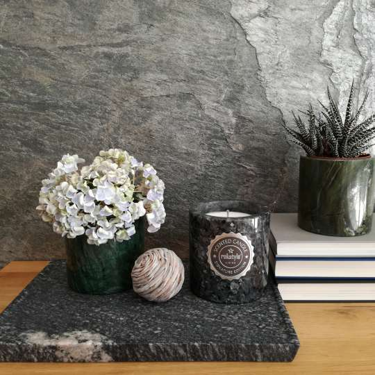 Rokstyle Living: Wohnaccessoires aus Naturstein /  Signature Candle / Art. Nr. 190620 / Mood 2