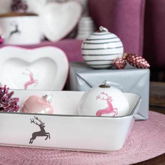 Gmundner Keramik - Sweet Traditions: Auflaufform mit Weihnachtsugel und Herzschale, dekoriert