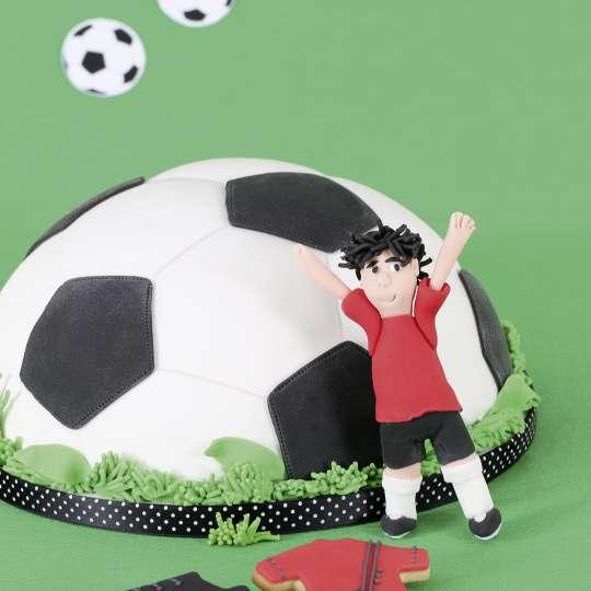 Staedter_Backform_Fussball_fertige Torte