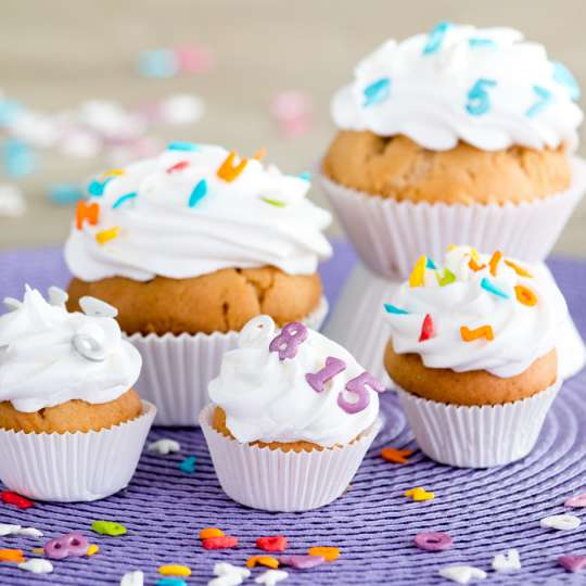 Staedter Streudekor Buchstaben-Zahlenmix - Muffins