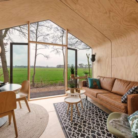 Ein Wikkelhaus im Grünen – eine gelungene Symbiose aus modernem Design und Nachhaltigkeit