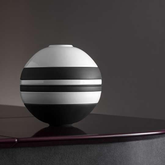Villeroy & Boch: La Boule black/white: gestapeltes Tischservice als Designobjekt
