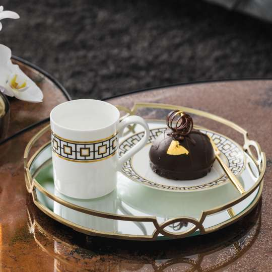 MetroChic Kaffeegedeck mit Kuchen