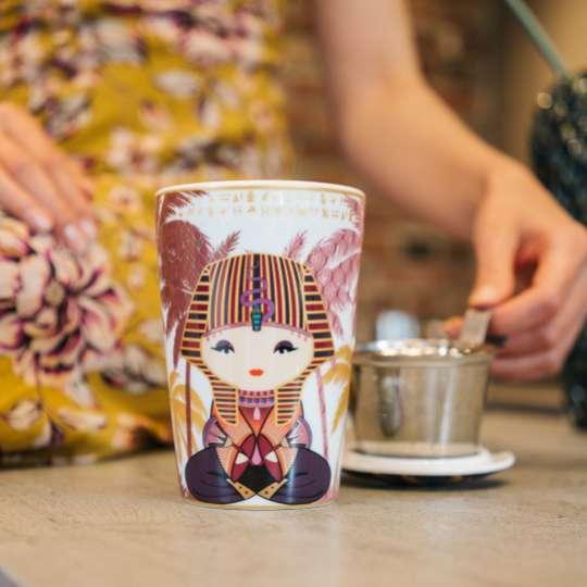 Eigenart: Porzellanbecher TEAEVE / Dekor 'Little Egypt', Mood 1