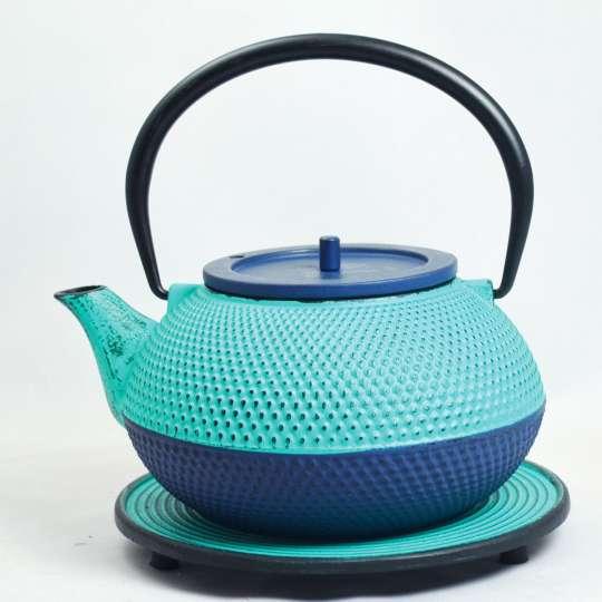 Teesortiment aus Gusseisen von ja-unendlich / Teekanne Modell Kobu