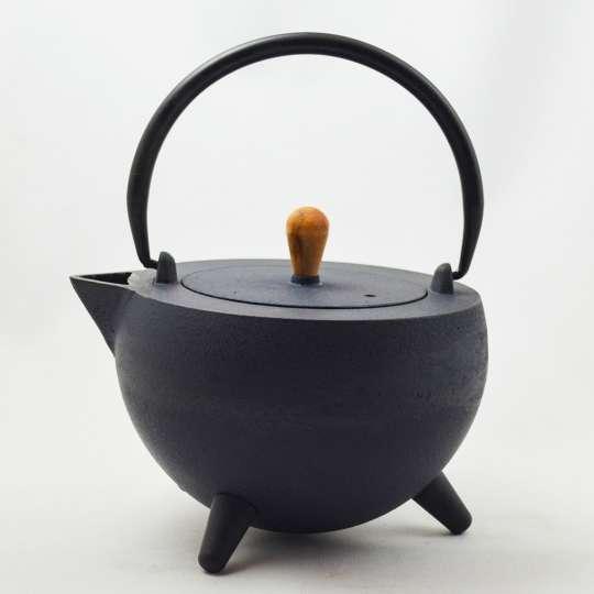 JA-UNENDLICH: Teekannen aus Gusseisen, Bauhaus, Modell Pop 1,0 l, 990