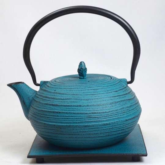 Blumig und Maritim: Teekannen von ja-unendlich / Teekanne, Modell LWH, blau
