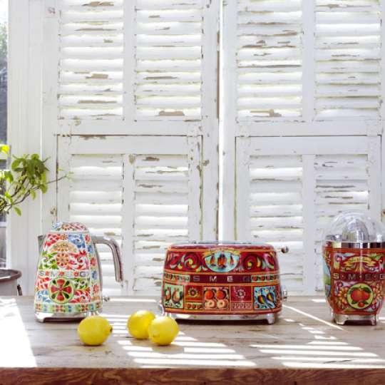 Kultur und Tradition Siziliens, eingefangen in der neuen Dolce & Gabbana Kollektion von Smeg