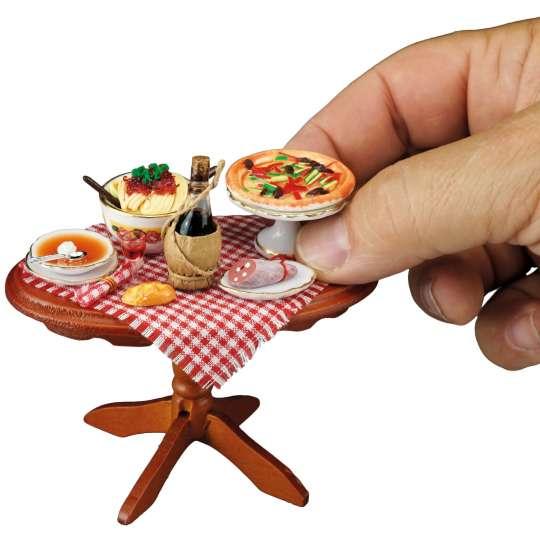 Reutter Porzellan Miniaturen - Liebe geht durch den Magen - 1.821-4 TITEL