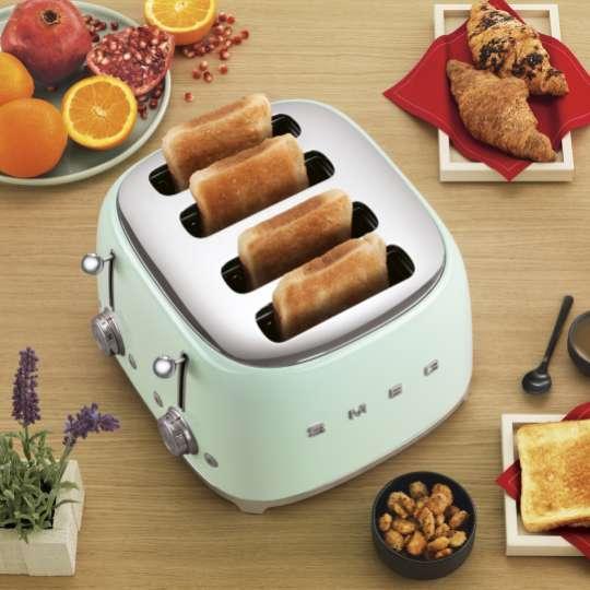 Filterkaffee und frischer Toast: Mit Smeg wird das Frühstück doppelt lecker