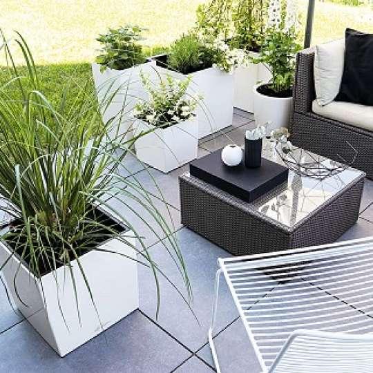 Black & White: Eleganter SchwarzWeiß-Look für den Outdoor-Bereich