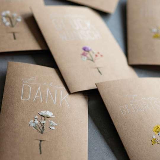 Für ganz besondere Grüße: Echte Blumenkarten