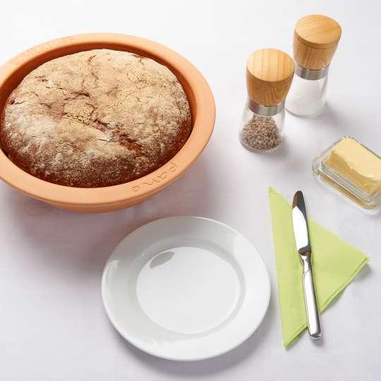Römertopf Brot, rund,Tischambiente